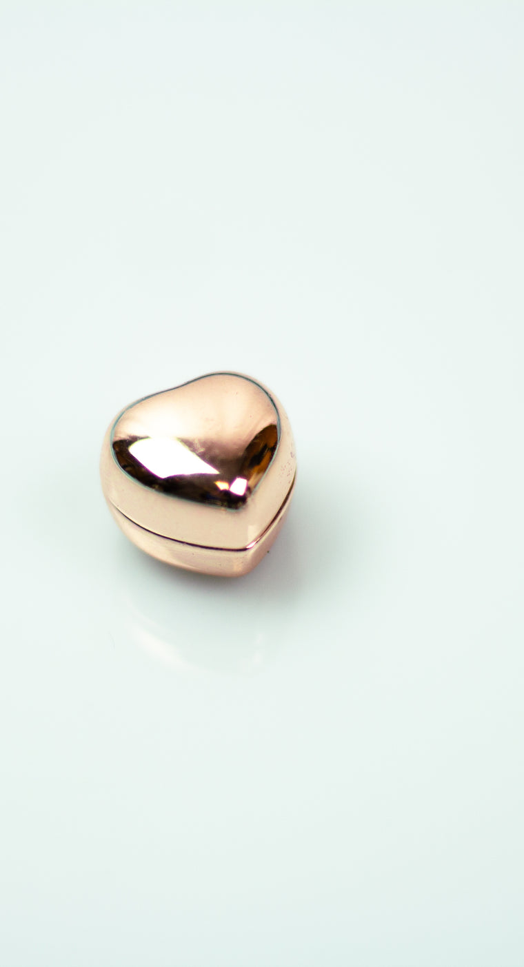 Glossed Magnetic Heart Pin - Rose Gold