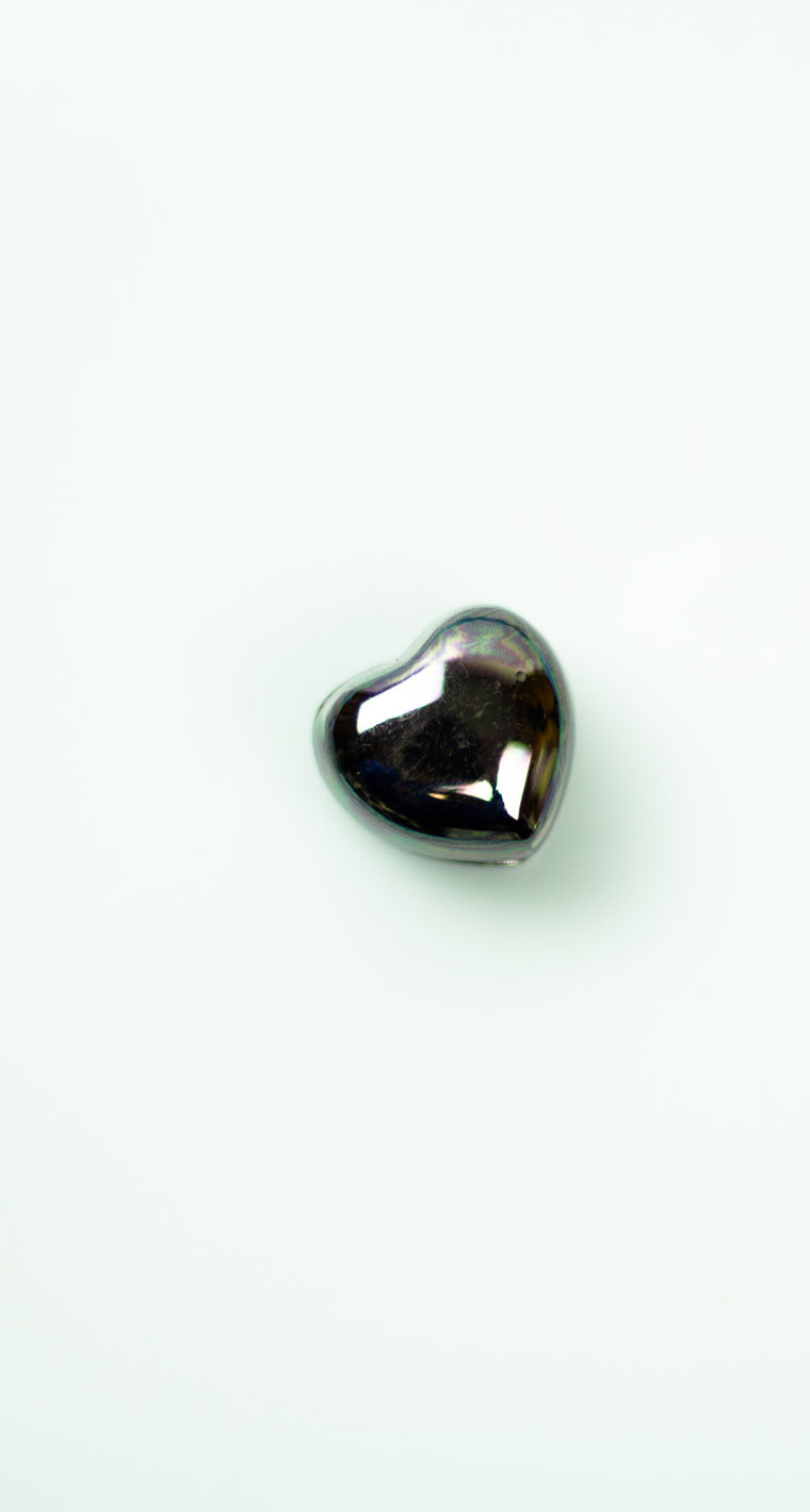 Glossed Magnetic Heart Pin - Black