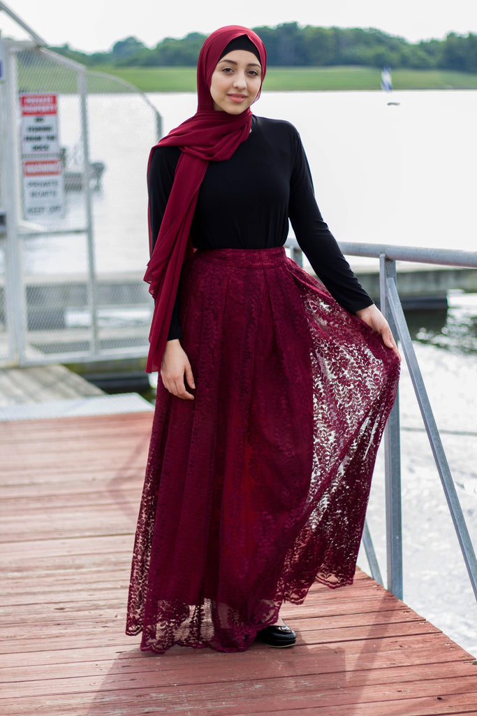 High-Waisted Lace Maxi Skirt - Maroon
