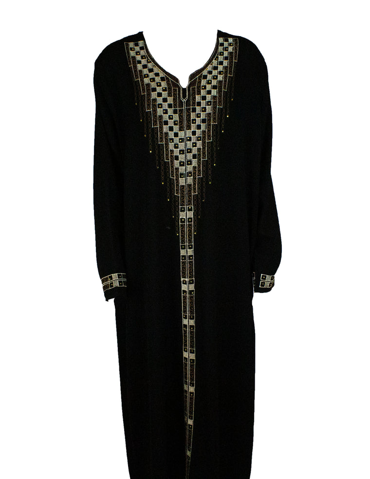 Closed Abaya w/ Embroidered Detailing