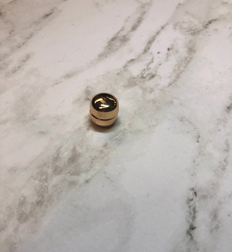 Glossed Magnetic Pin - Gold