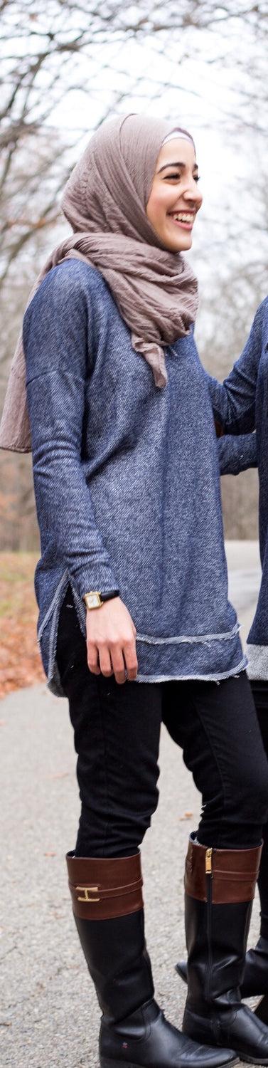 Speckled Sweater w/ Rounded Hem- Navy