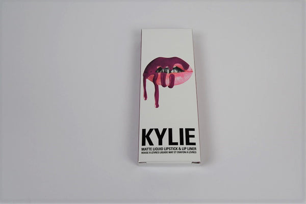 Kylie Cosmetics Poise K with Limited Edition carry bag