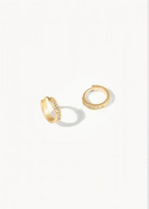 DELICATE HUGGIE HOOP EARRINGS - Gold/Crystal