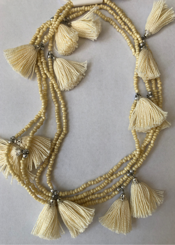 POM POM NECKLACE - Cream
