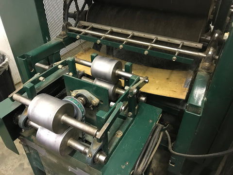 Drum Carder Output with roving attachment