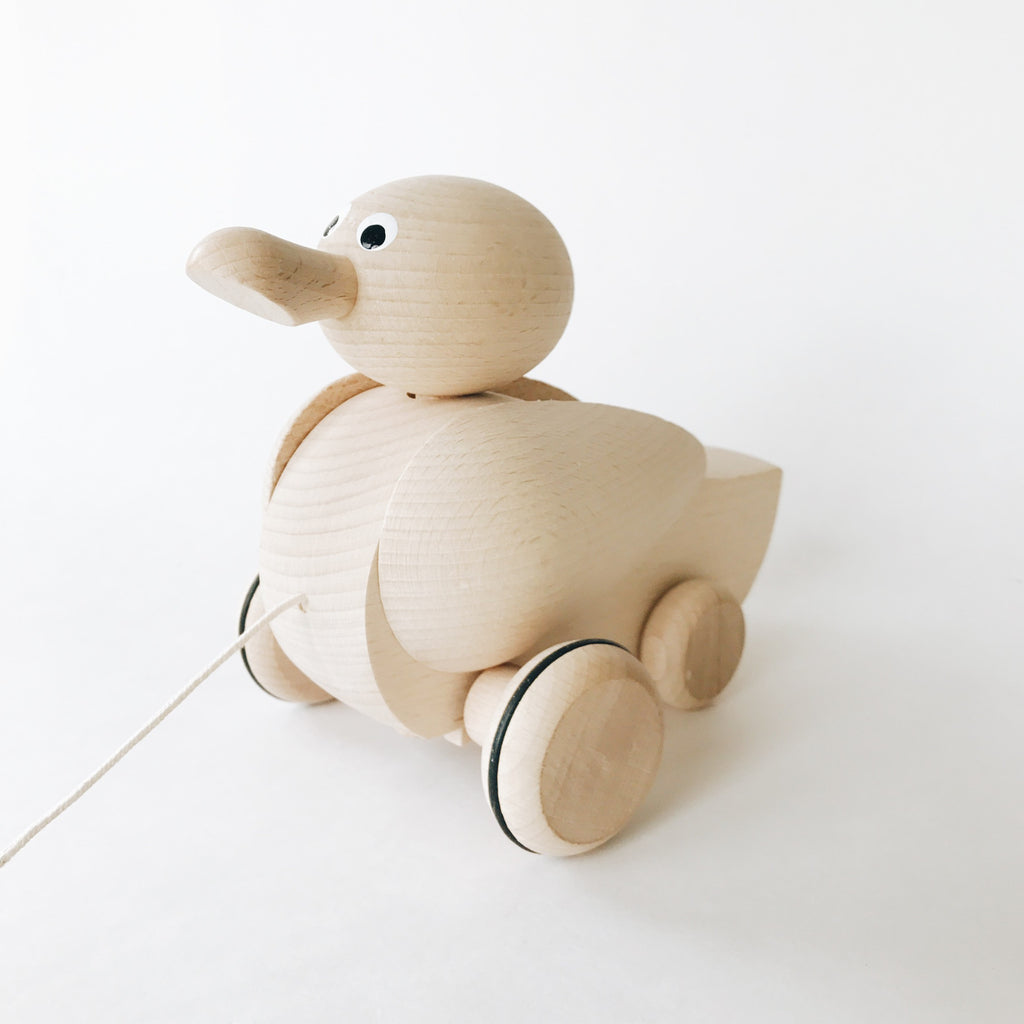Wooden Pull-Along Duck - Andnest.com