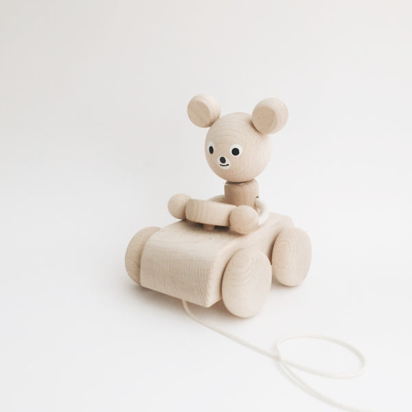 Wooden Pull-Along Bear - Andnest.com