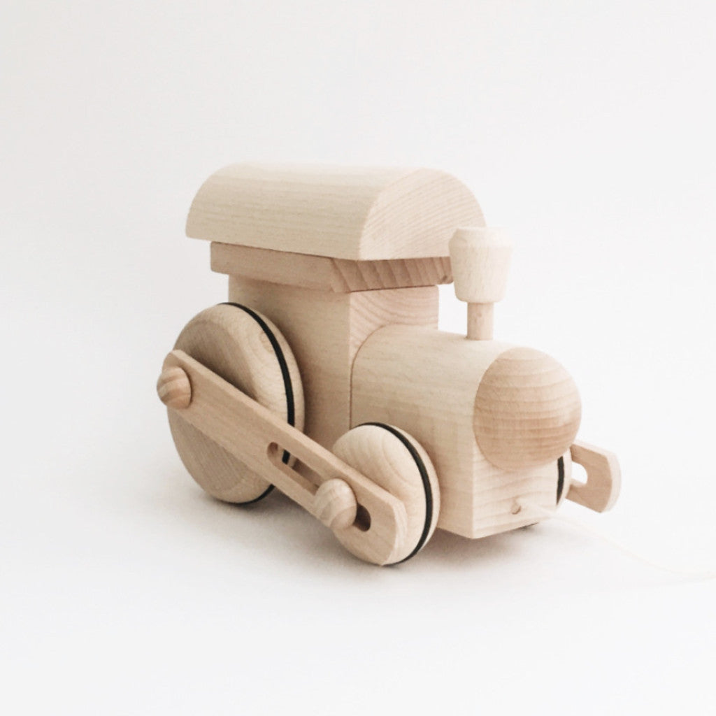 Wooden Pull-Along Train - Andnest.com