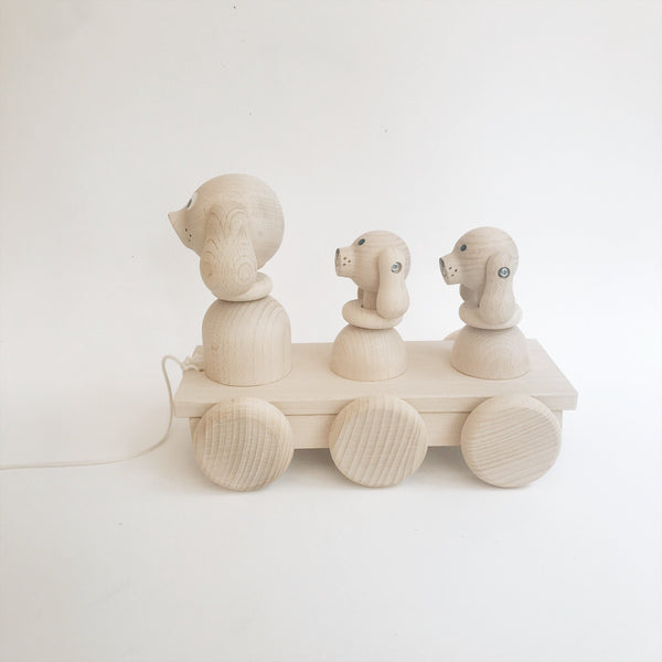 Wooden Pull-Along Dog and Puppies - Andnest.com