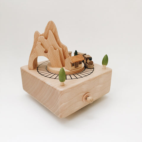 Moving Train Music Box - Andnest.com