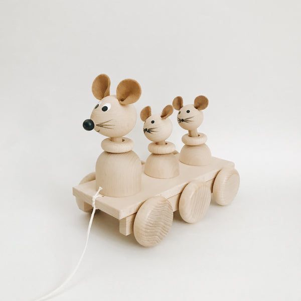 Wooden Pull-Along Mouse and Babies
