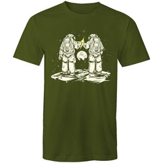 Men's Fist Bumping Astronauts T-shirt - The Hippie House