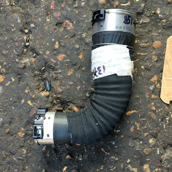 13717634158 BMW i8 CHARGEAIR DUCT ELBOW