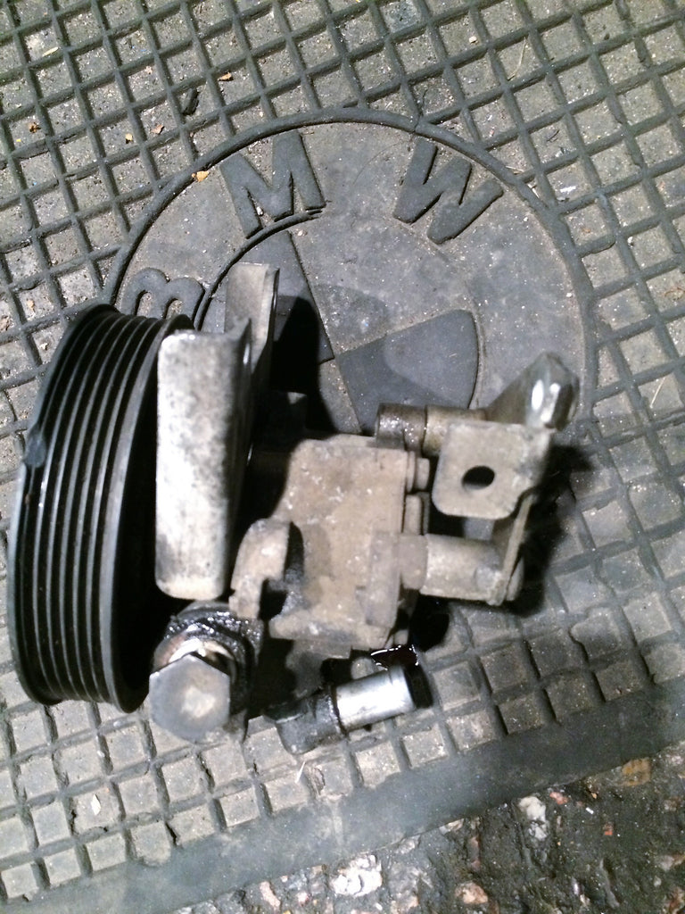 BMW 3 SERIES 1999 E36  POWER STEERING PUMP