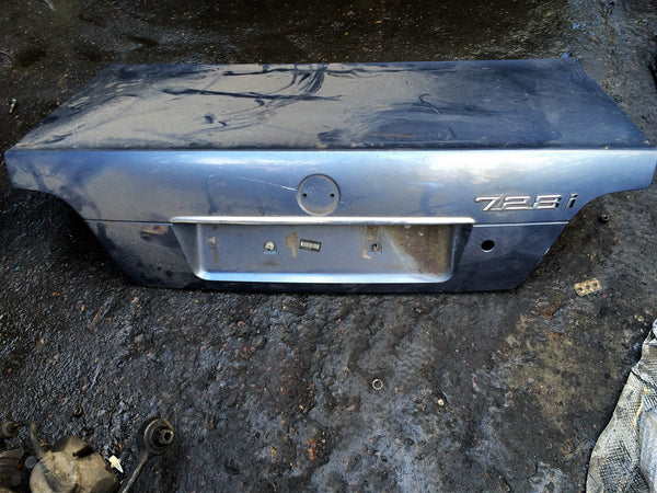 BMW 7 SERIES 2001 E38 REAR BOOT LID  COLOUR MAY DIFFER PLEASE CALL 07901615047. WOULD NEED RESPRAY