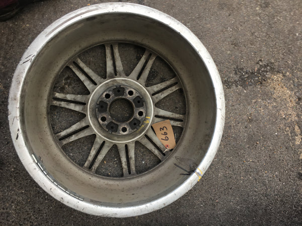 8037142  Bmw 3 series 2011 E93 Mv4 Alloywheel       Used Needs refurbishment/Air line. Observe picture
