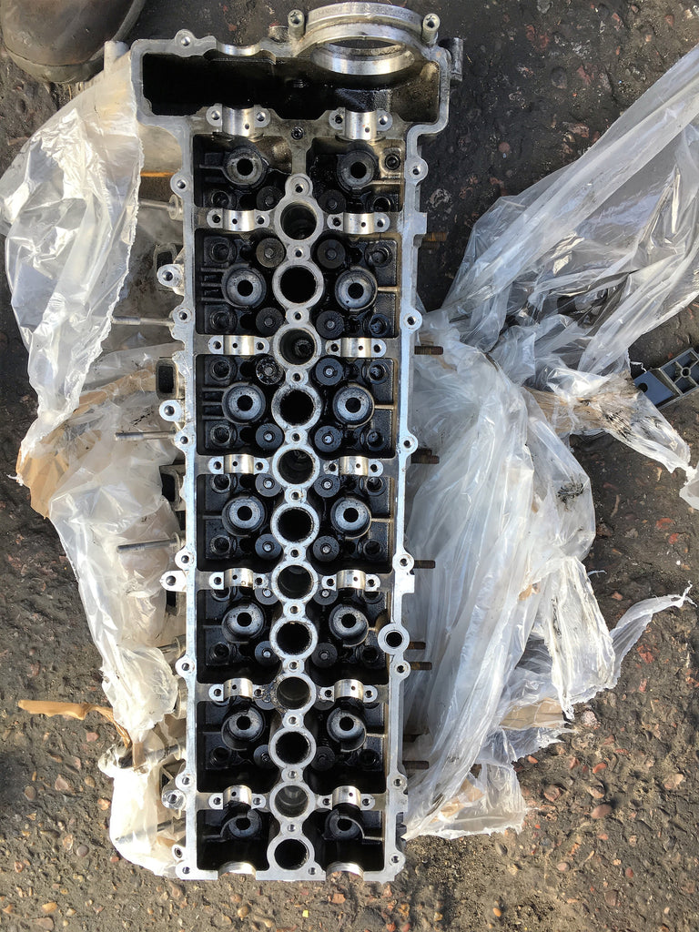 7792753 used  bmw 5 series 2004 530 diesel cylinder head