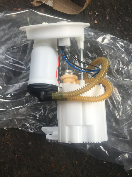 BMW 1 SERIES F20 2015 FUEL PUMP 16117243974