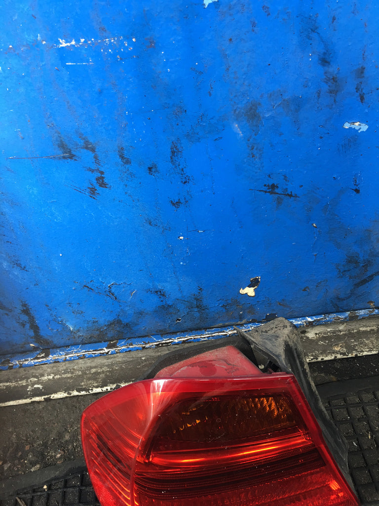 BMW 3 SERIES E90 2006 SALOON  PASSENGER SIDE BACK LIGHT