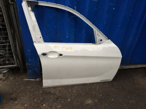 BMW X1 2014 DRIVER SIDE FRONT DOOR SHELL WHITE NEEDS RESPRAY