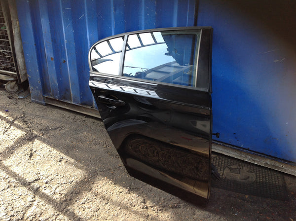 BMW 1 SERIES 2007 DRIVER SIDE BACK DOOR IN BLACK COMPLETE