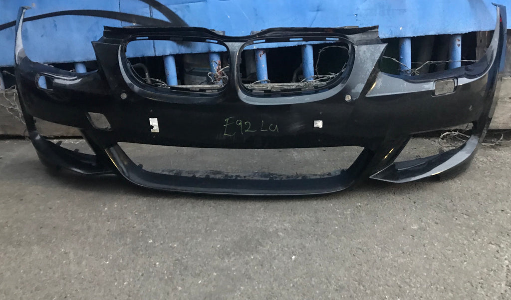 BMW 3 SERIES E 92/ E93 M-SPORT FRONT BUMPER 2013 LCI BLACK NEEDS SLIGHT REPAIR/RESPRAY