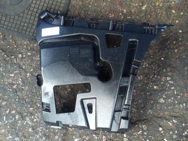 51127256924 BMW 3 SERIES F30  2015 DRIVERS SIDE  REAR BUMPER SLIDER .