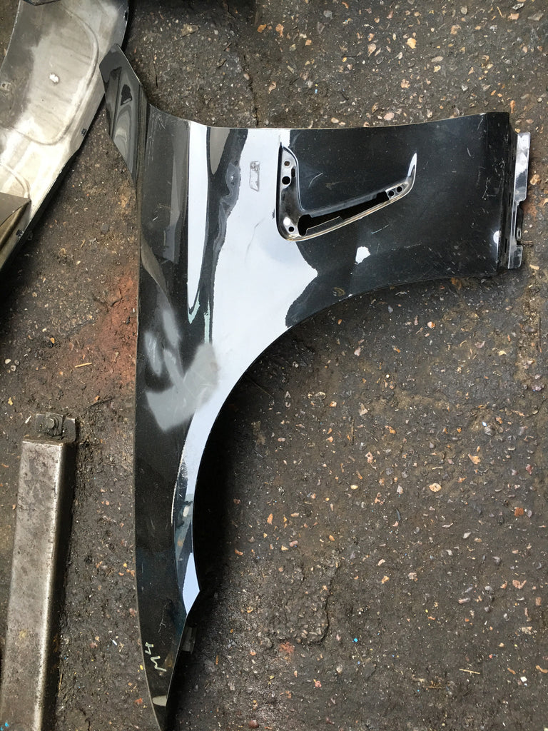 BMW  M4  PASSENGER SIDE WING