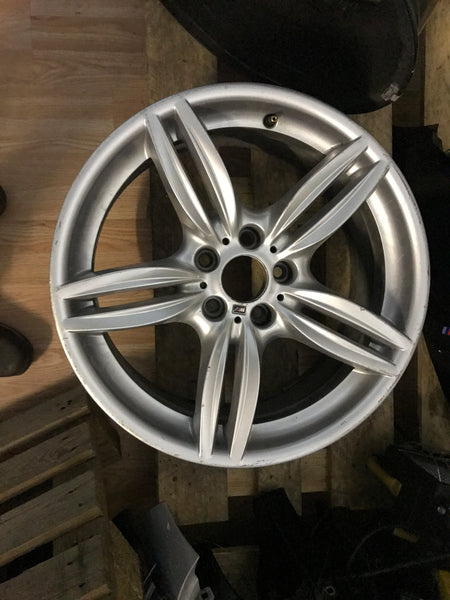 7842652  Bmw  5 series f10  2016 front alloy wheel 19 inch
