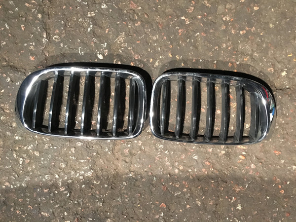 BMW X3 2015 front kidney grilles little scratch