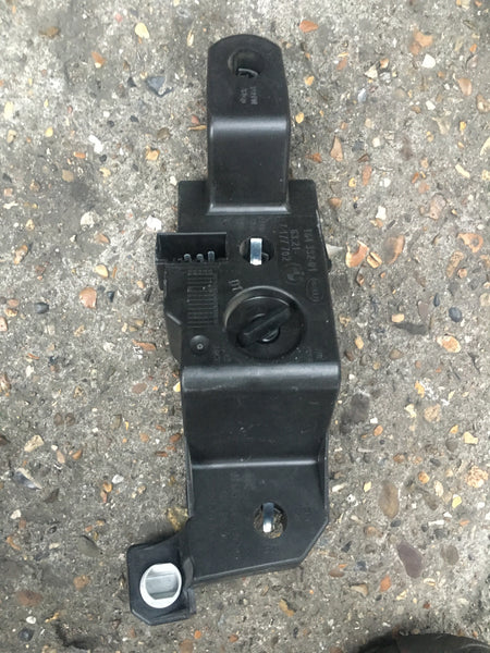 BMW 5 SERIES 2009 E 60 DRIVER SIDE REAR BULB HOLDER