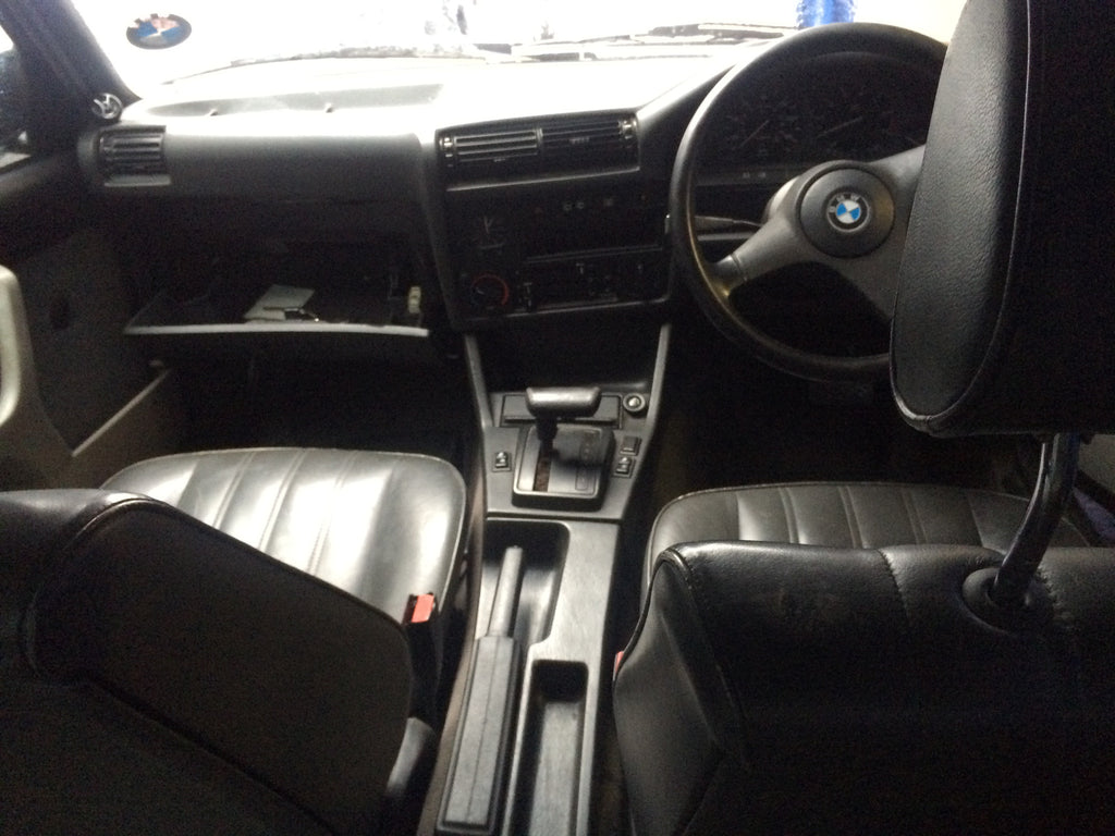 BMW 3 SERIES E 30 ESTATE TOURING 1991  Dash board