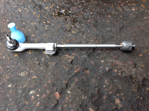 BMW i3  2016 driver side tie rod complete assemble new.32216851410