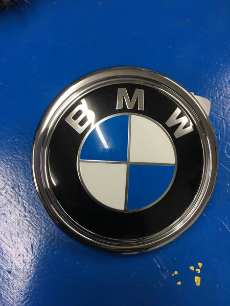 7294465Bmw new genuine x5 f15 f15 f85 m x6 f16 f86 m series trunk lid badge  emblem