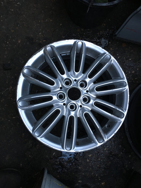 "6856099 Mini 2018 F55  17""inch  Tentacle spoke alloy wheel"