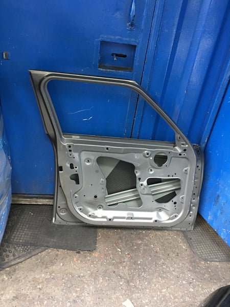 Mini one 2018 passenger side front door in  silver