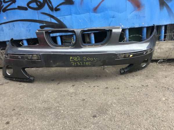 7132285 BMW 1 series 2005 front standard bumper in grey