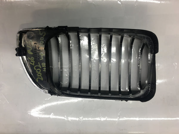 BMW 3 SERIES 2004 E46 SALOON  PASSENGER SIDE GRILLE