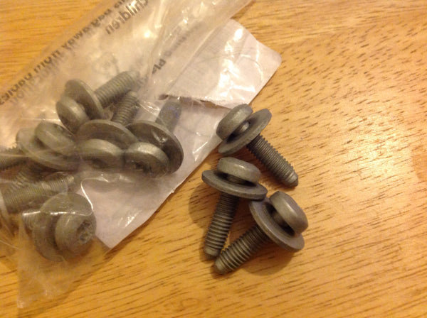07119907285 Bmw lower bracket bolt £3.00 each