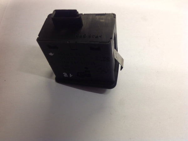 8368921 BMW 3-Series e46 rear window saloon window switch