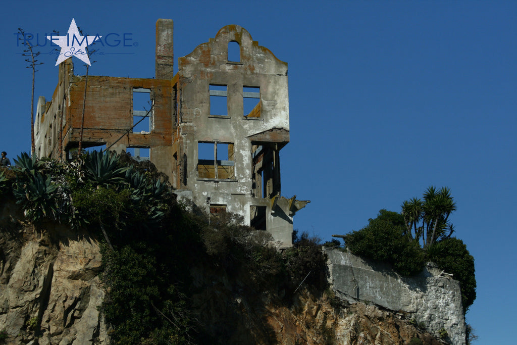 Ruin of the wardens house - Alcatraz, San Francisco, USA