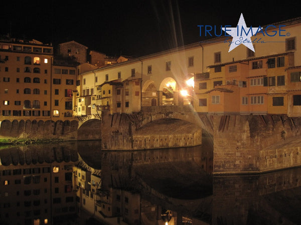 Ponte Vecchio at night - Florence, Italy