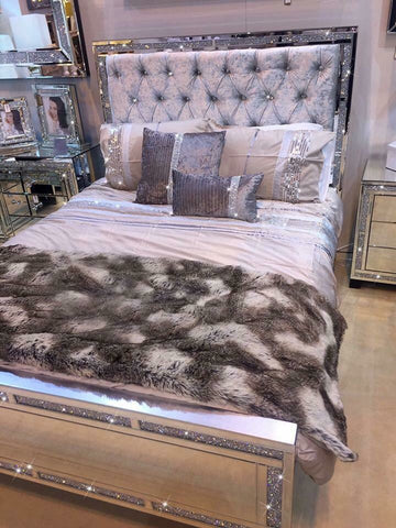 Milano Mirrored  and Crystal King Sized bed VALUE ALERT !!!