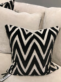 Bowie cushion black