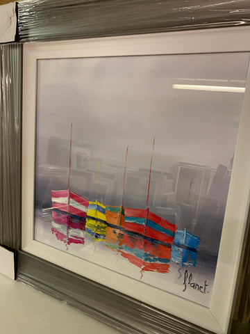 Boats reflet with grey scoop frame