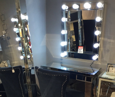 Hollywood mirror 12 bulb