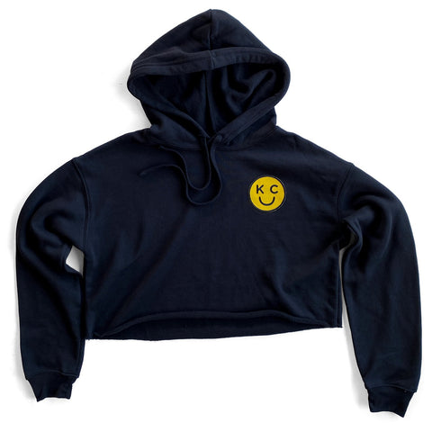 KC SMILEY PATCH CROP HOODIE - BLACK