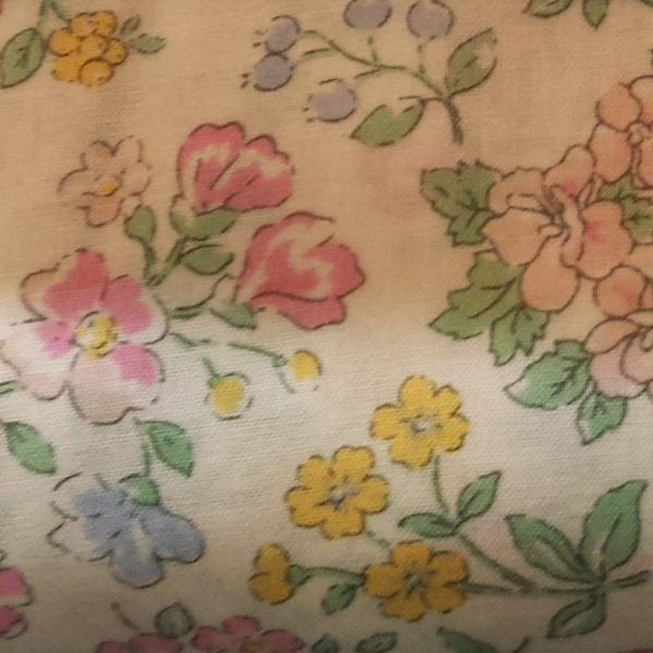 Memoire A Paris in Pink Floral from Lecien Fabrics, 1/2 yd