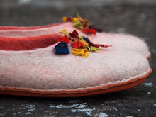 Load image into Gallery viewer, BureBure hand made slippers with colorful silk decoration, perfect gift for mom